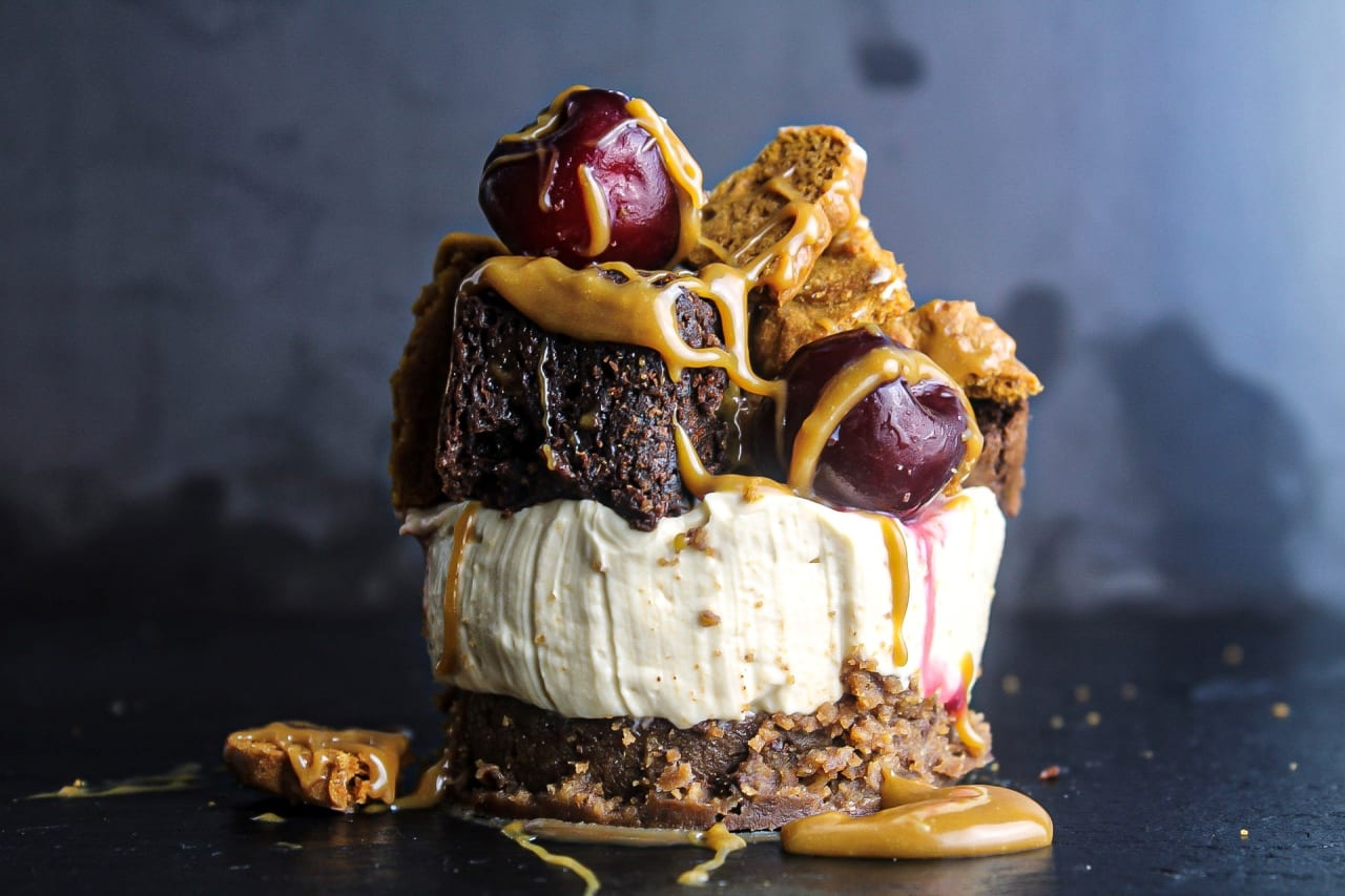 Biscoff and Brownie No Bake Cheesecake